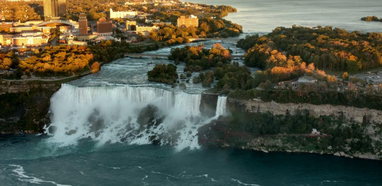 Niagara Falls, Ontario & Lion Safari